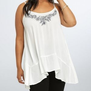 Torrid sleeveless tank top embroidered floral